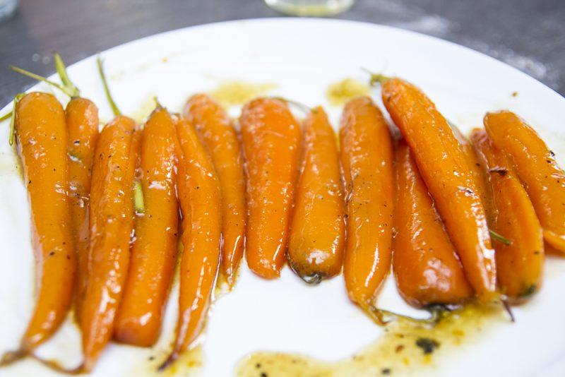 Recette de carottes glac es un ventre sur pattes - Cuisiner fanes de carottes ...