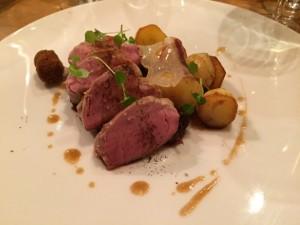 filet de cochon francilien_condiment oignon rouge_grenailles fumées